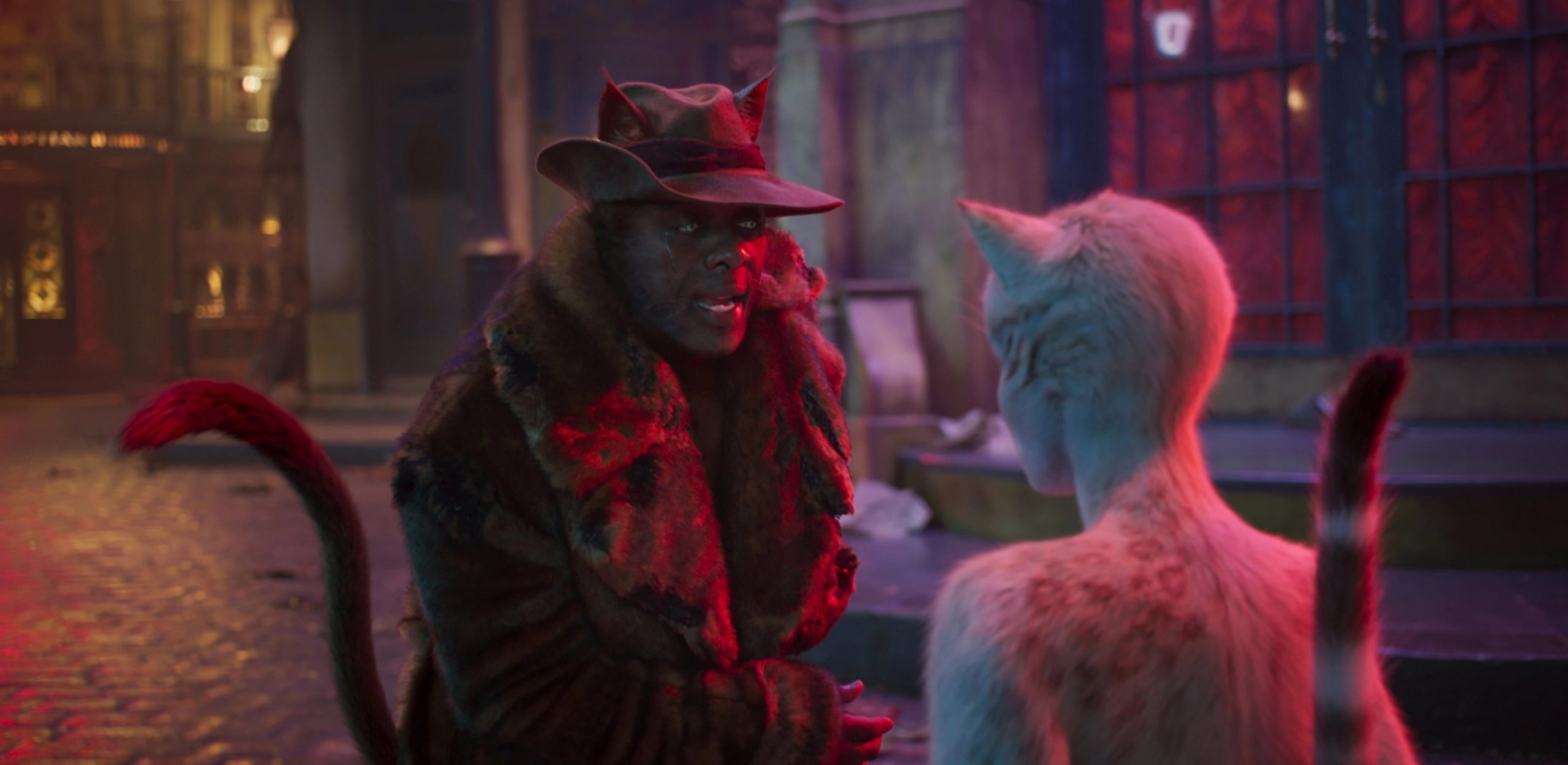 Idris Elba è Macavity in Cats (2020)