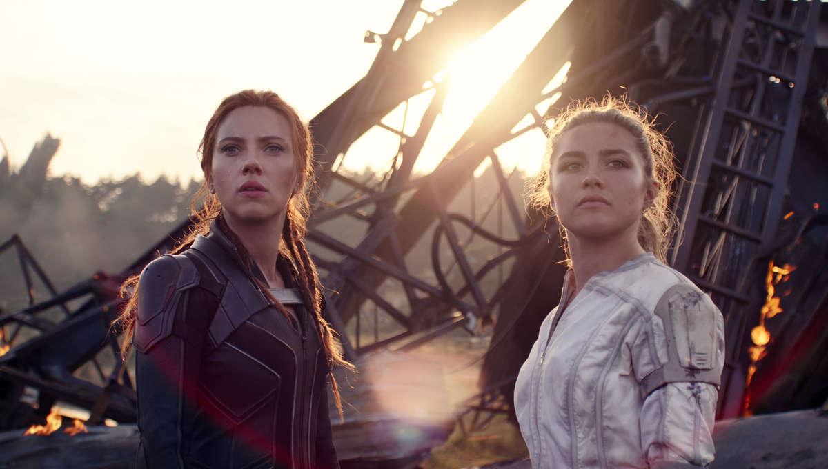 Scarlett Johansson e Florence Pugh sul set